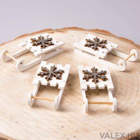 4db. Csillogó hópihés karácsonyi dekor szánkó (4cm)