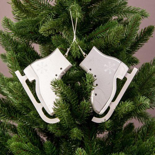 1 pár fa korcsolya karácsonyfadísz 12.8cm x 10.4cm
