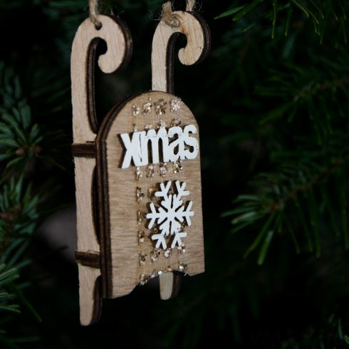 Karácsonyfadísz 10cm - XMAS feliratos hópihés szánkó